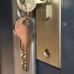 De Vlaamse regering trekt de huurwaarborg op van twee naar drie maanden.